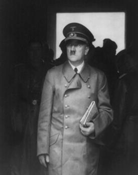 Autors: roza ruksits Ādolfa Hitlera kapa vieta...