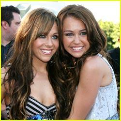 Miley  Mandy Autors: martak Miley&Mandy VS. Selena&Demi