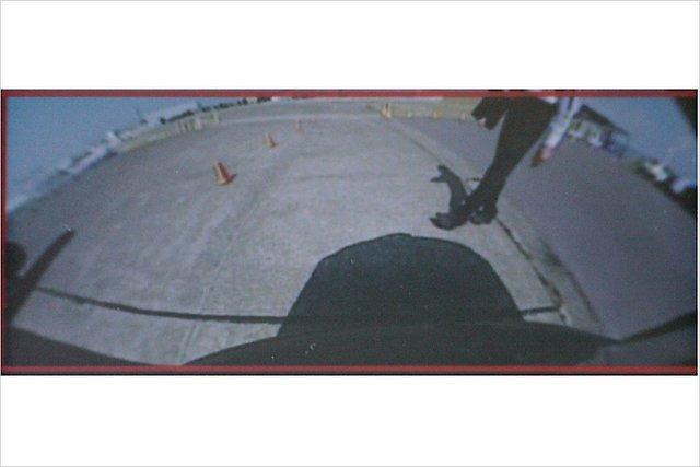 Nissan sola ka jaunās drošības... Autors: HHRonis Nissan izstrādājis jaunas drošības sistēmas.