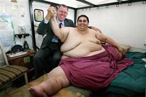 Manuel UribeSvars  597 kgTāpat... Autors: KeiVii 5 Smagākie cilvēki pasaulē.