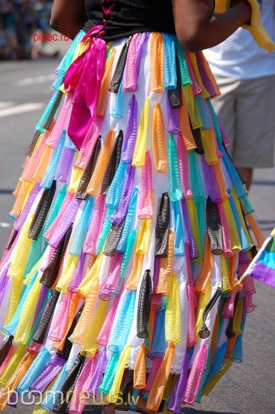Autors: Šaize Neticami! Meitenes izpērk prezervatīvus!