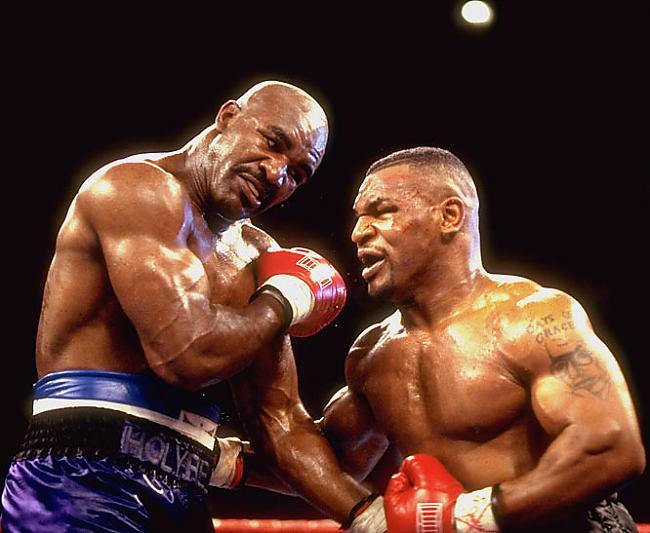 Tā nu nedaudz par bokseri... Autors: afrobmw Evander Holyfield