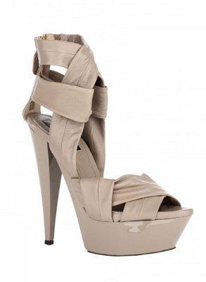 Autors: marka10 Modernas augstpapēžu kurpes
