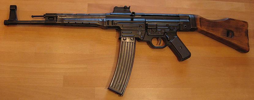 Sturmgewehr 44 Autors: Anāls Error. Ieroču revolūcija.!