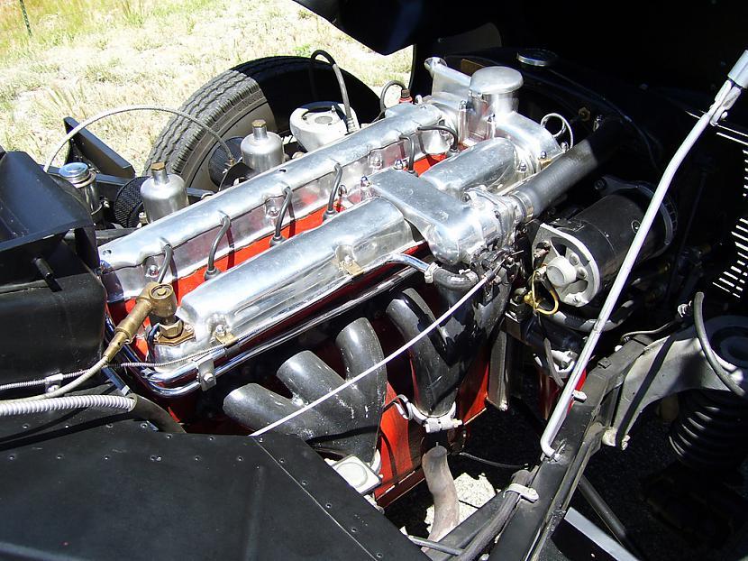 AstonMartinDB2195053 Autors: Labveelis13 Aston Martin