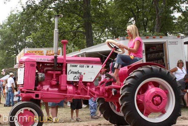 Autors: ALISDZONS Glamūrīgi traktori