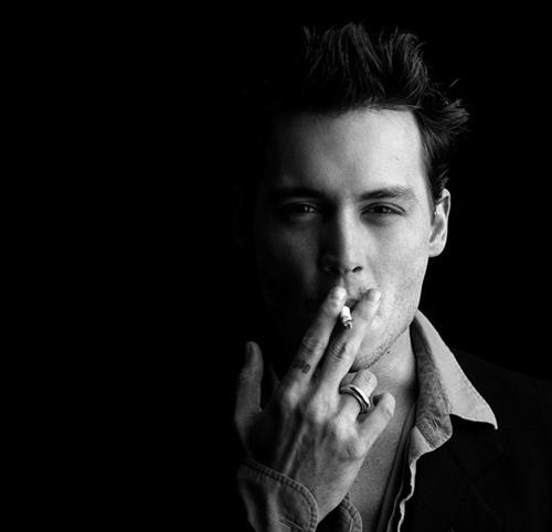 Johnny Depp   Kad viņš to dara... Autors: titiuu Slavenību kaitīgie ieradumi