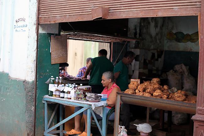 Vietējais veikaliņscaron Autors: Fosilija Cuba libre