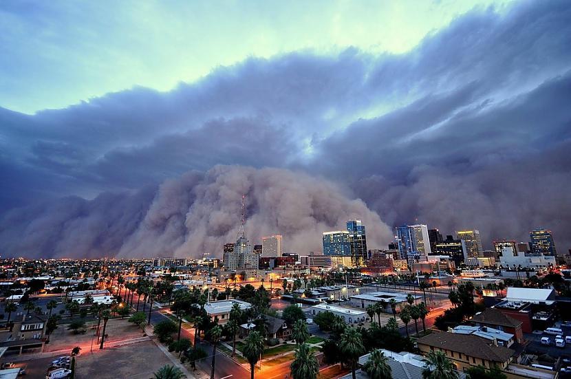Milzīga putekļu vētra Arizonā... Autors: BAii Interesanti notikumi, kas notikuši šogad