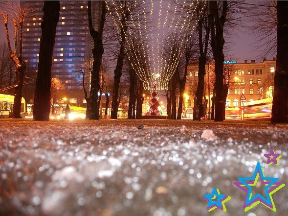 Visā Brīvības alejas garumā ir... Autors: ghost07 Ziemassvētki Rīgas ielās