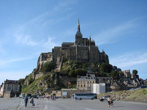 Ļoti daudz tūristu apmeklē šo... Autors: Fosilija Mont St. Michel