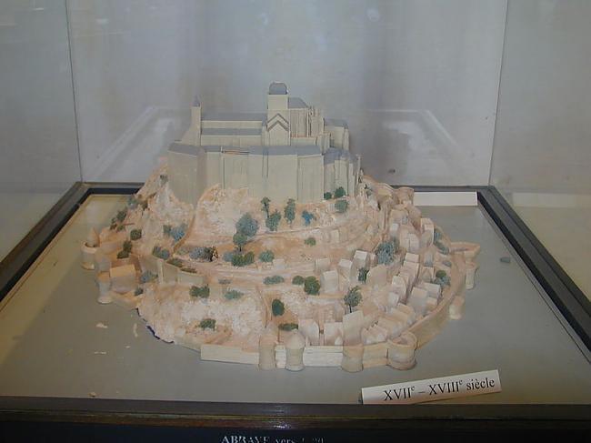 Sala ap 17  18 gs Autors: Fosilija Mont St. Michel
