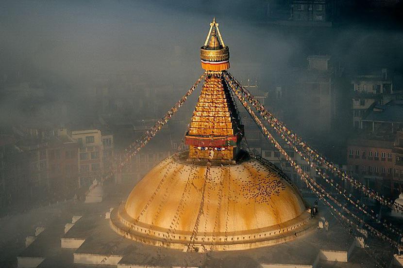 Budistu templis Katmandu... Autors: KorAva Tā izskatās mūsu mājas no augšas
