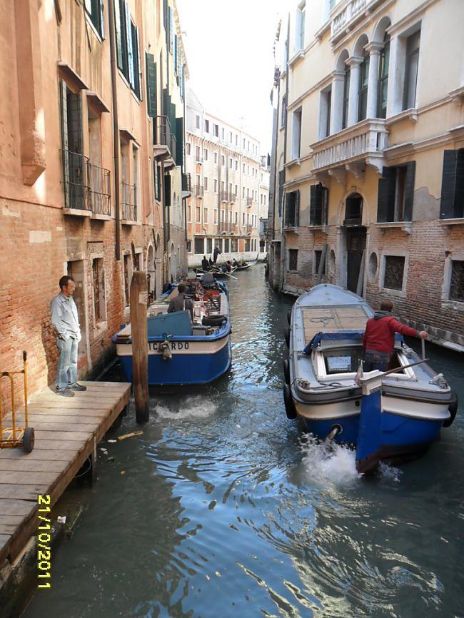 Lielākās pilsētas  Roma 3 milj... Autors: leedsmeitene Itālija.