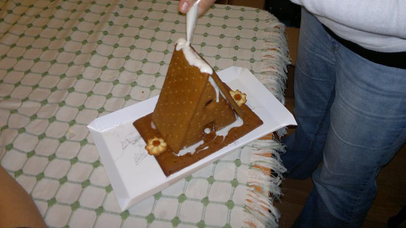 te vairs nē Autors: Zilais Kamielis Uzbūvējām Māju no Cepumiem un Cukura!