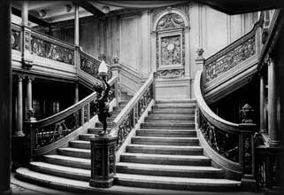 1 klases parādes kāpnes Autors: Grebe Titanic pirmais un pēdējais jūrasbrauciens
