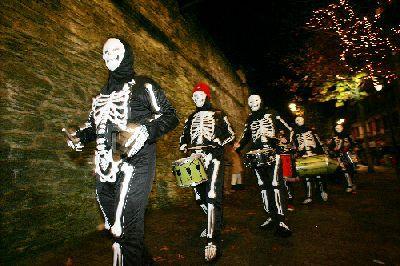 Helovīnu kostīmi Autors: Fosilija Helovīni