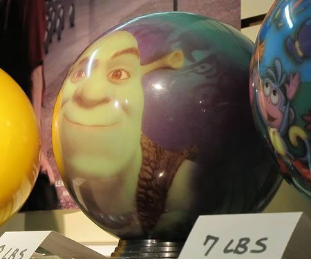 Šreks Autors: AldisTheGreat 12 Satriecošākās boulinga bumbas.