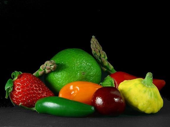 Autors: Fosilija Vitamīni augļos, dārzeņos un ogās.