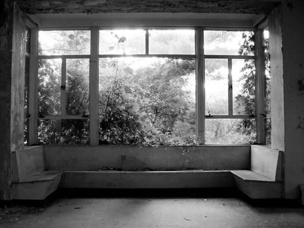 Atpūtas telpa ar lielu logu un... Autors: Kobis [1. daļa] Pamestas vietas...