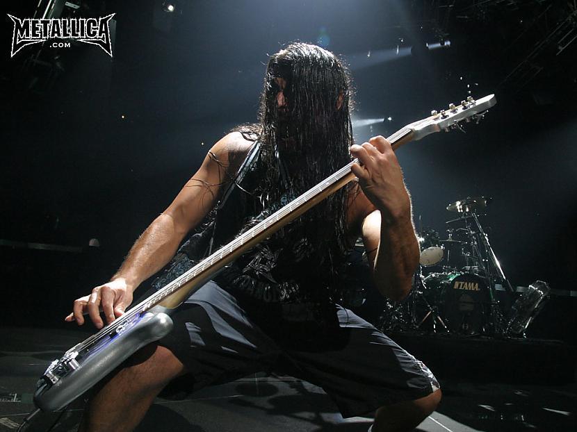 Pēc traģiskā notikuma pārējie... Autors: LifeFucker Leģenda- Metallica.