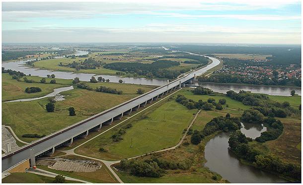 Magdeburgas ūdens tilta... Autors: Se0ne Neticamais vācu ūdens tilts