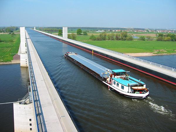 Jāpiemetina ka Magdeburgas... Autors: Se0ne Neticamais vācu ūdens tilts