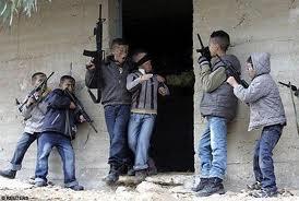 Jāaaam Bērnības kariņi ar... Autors: jautraa Bērnība