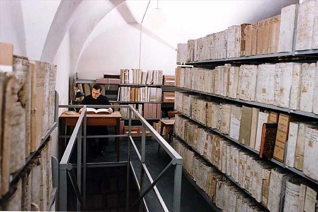 Tikai kopš apmēram130 gadiem... Autors: EziitisPsihopaats Vatikāna slepenais arhīvs. Inkvizīcija.