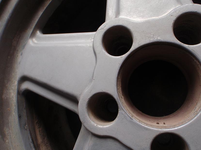 disku vidus matēju ar P150 lai... Autors: Krizix Krāsoju un pulēju Mercedes diskus