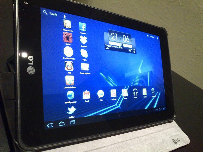 Pagājuscaronajā 2011 gadā LG... Autors: Awere85 LG V900 jeb LG Optimus Pad 3D planšetdators