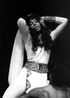 Dziedātāja kļuva slavena... Autors: peka013 R.I.P. Donna Summer