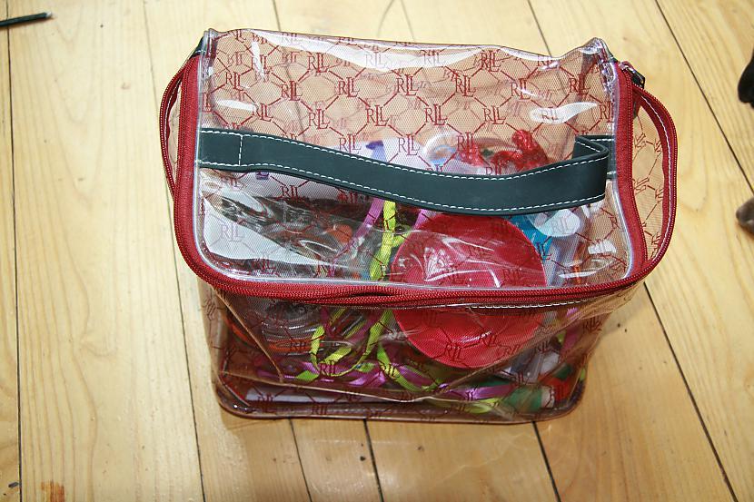 scaronādi izskatās mana somiņa... Autors: rarited Mani Darbiņi (:
