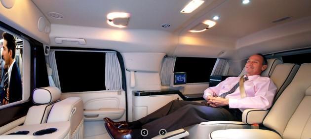 Autors: Budists Īpaši greznā 'Cadillac Escalade' uzstāda pat vel