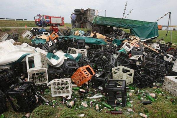 Autors: Fosilija Šis tas no auto lietiņām[dažādi negadījumi].