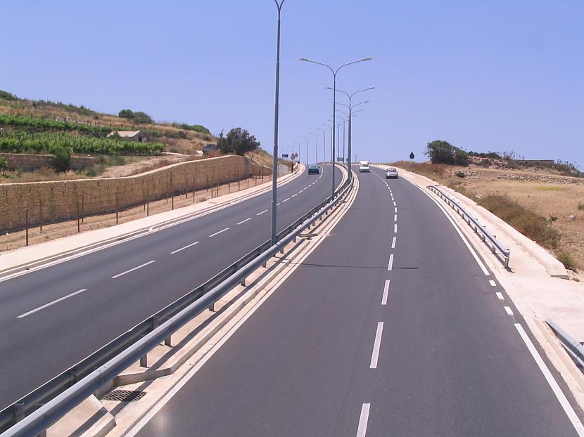 Malta Valstī ir 3000km a... Autors: estrella Eiropas ceļi. 6. daļa.