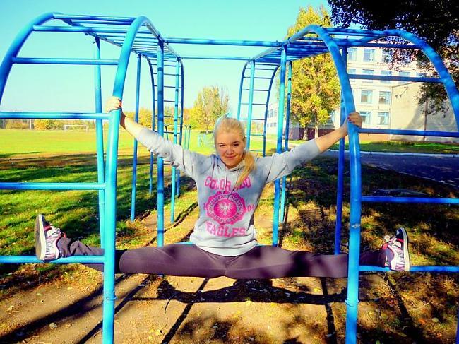 Autors: BrĀLis scorpion1 Meitenes iepozē