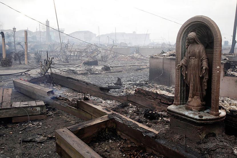 """Autors: norle2001 12 dramatiskas fotogrāfijas no vētras """"Sendy"""""""
