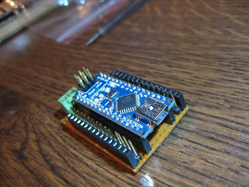 Nu vēl var pielikt arī lielo... Autors: Kasiroxxxx arduino NANO shields