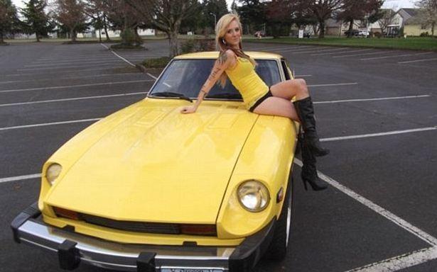 nbspDažos no vīriescarona... Autors: zegsī habit Tēvs piespiež meitu izģērbties auto reklāmai.