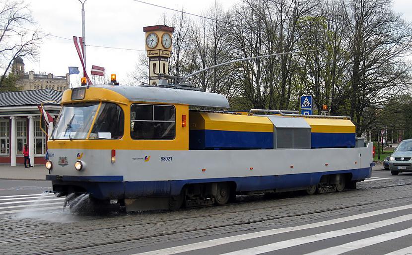 Divdurvju tramvajs Tatra T3SU... Autors: Fosilija Tramvaji Rīgā.