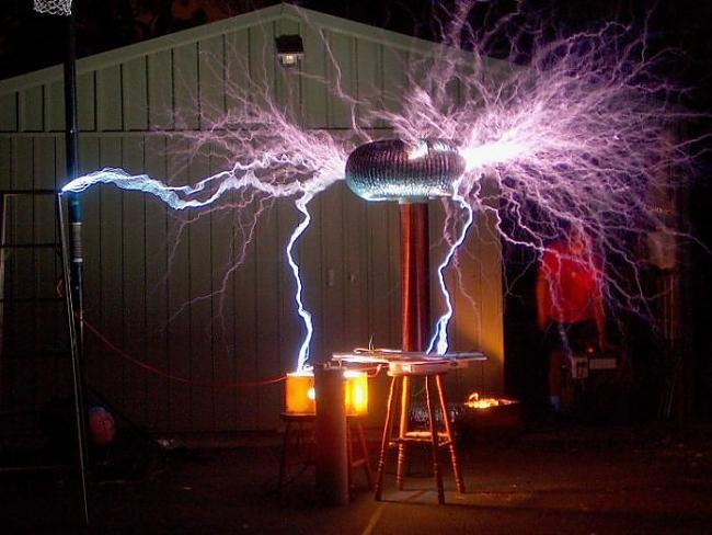 Autors: MONTANNA Teslas superģenerātori