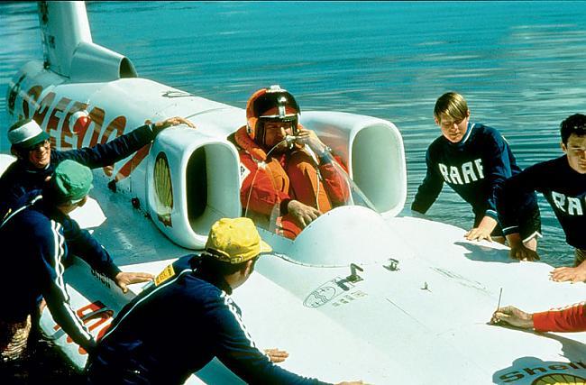 """Sidnejas pagalmā uzceltā 1970... Autors: Dzinchaaa Pasaules ātrākā motorlaiva - """"Spirit of Australia"""""""