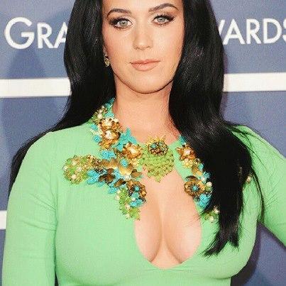 Trescaronā vieta Katy Perry... Autors: ivarssmaidins Top 10 twittera populārākie profili.