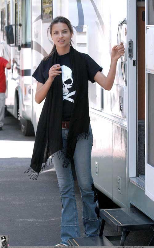 Adriana Lima smēķēt sāka 13... Autors: meancookie Modeles, kas smēķē