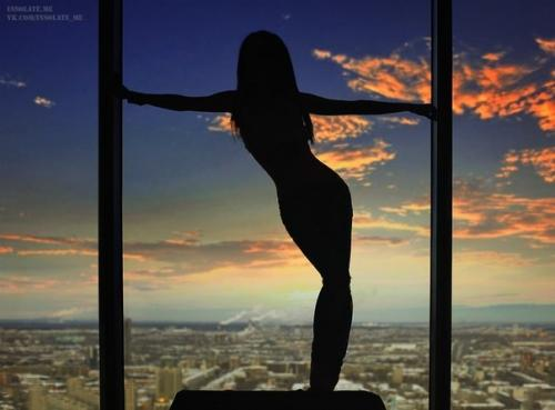 Autors: BellisimaChica Make the world dance