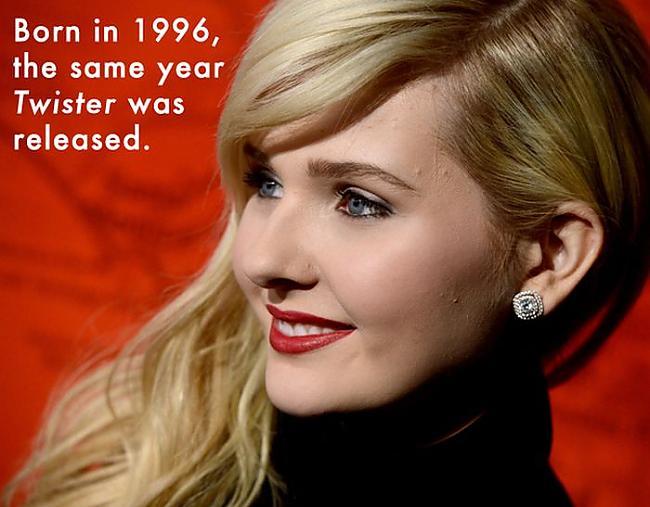 Abigail Breslin  dzimusi 1996... Autors: iFamous Slaveni cilvēki kuri dzimuši 90 gados.