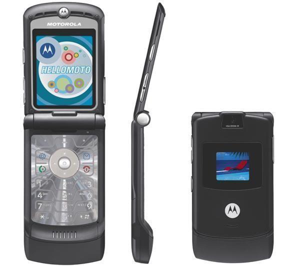 Motorola RAZR V3 izlaists 2004... Autors: Fosilija Top 20 pārdotākie telefoni pasaulē.