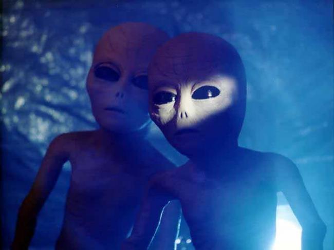 Fascinējoscaroni ir taska par... Autors: Pasaules iedzīvotājs Kosmosā ir dzīvība!
