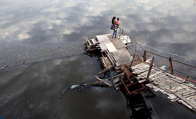Pie upes Riachuelo Argentīna... Autors: msi11 Pasaulē piesārņotākā upe.